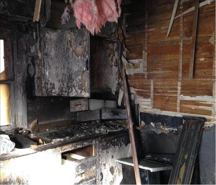 Kitchen fire wipes out home in Ashland Ohio